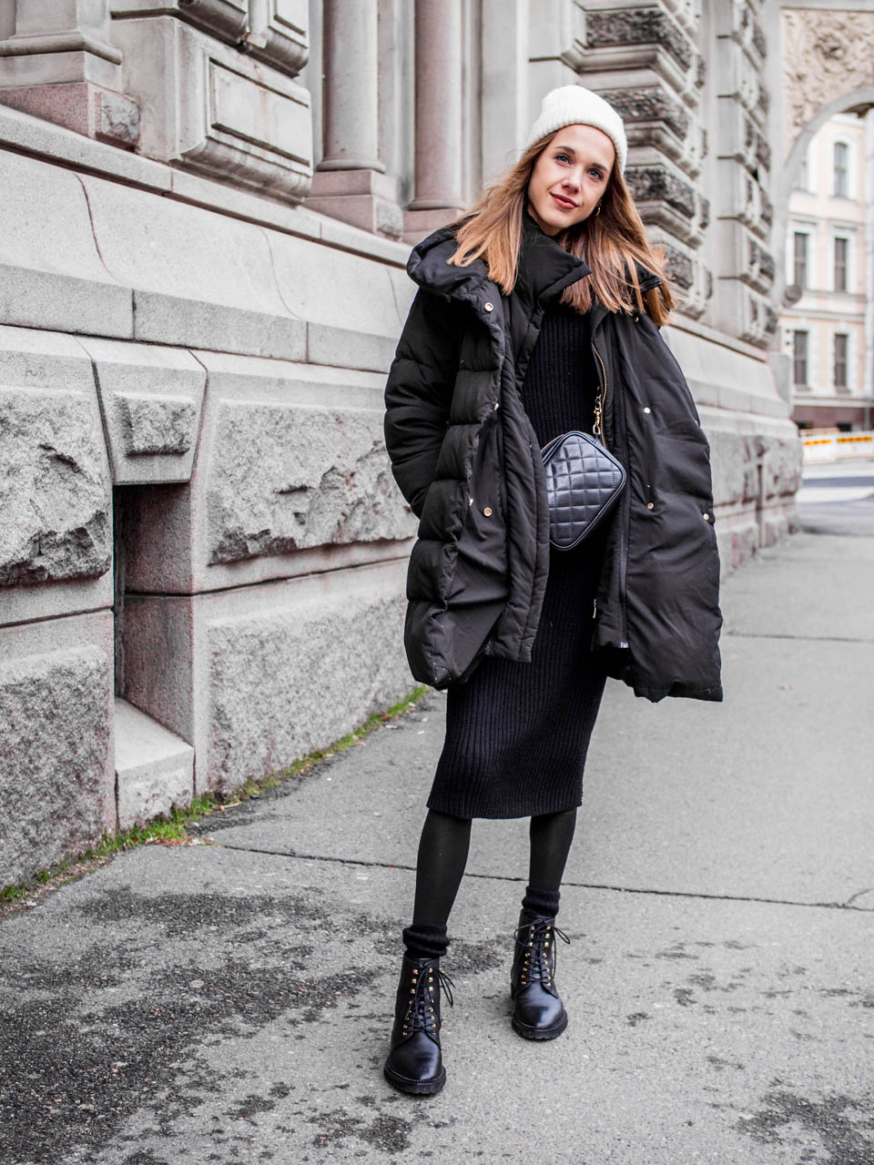 All black fashion blogger winter outfit - Kokomusta talviasu, muotiblogi, Helsinki