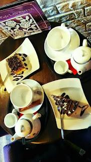 Ciastka i herbata w Cafe Lavenda
