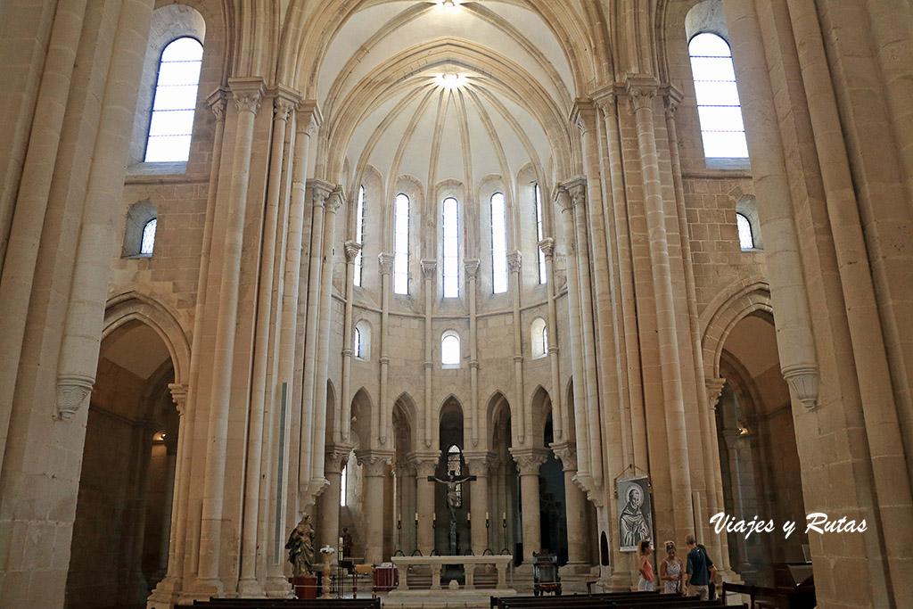 Altar de la iglesia del Monasterio de Alcobaça