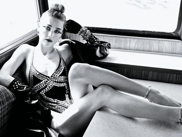 Amber Heard sexy photos