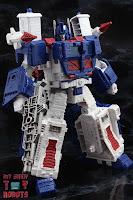 Transformers Kingdom Ultra Magnus 24
