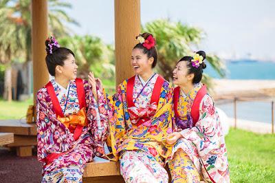 沖縄 琉装 写真
