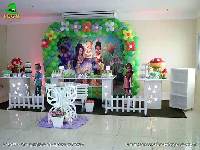 Festa de aniversário infantil com mesa decorada tema Tinker Bell - Sininho