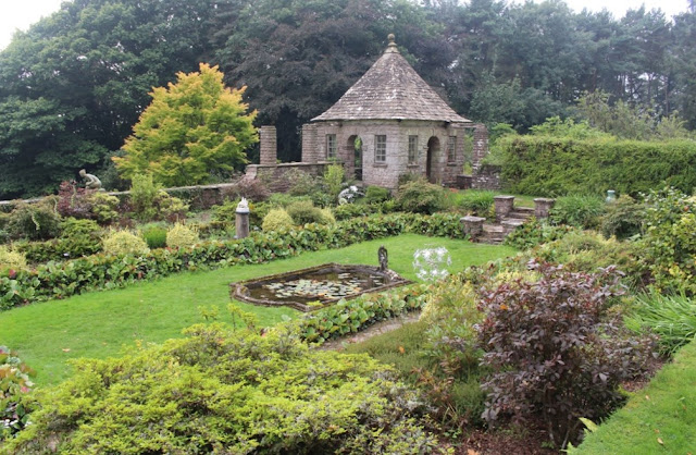 The sunken garden and summerhouse at Wyndcliffe Court