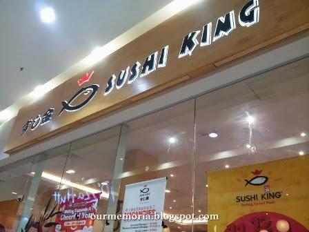 Menikmati Sushi di Sushi King dan berkunjung ke Daiso Japan