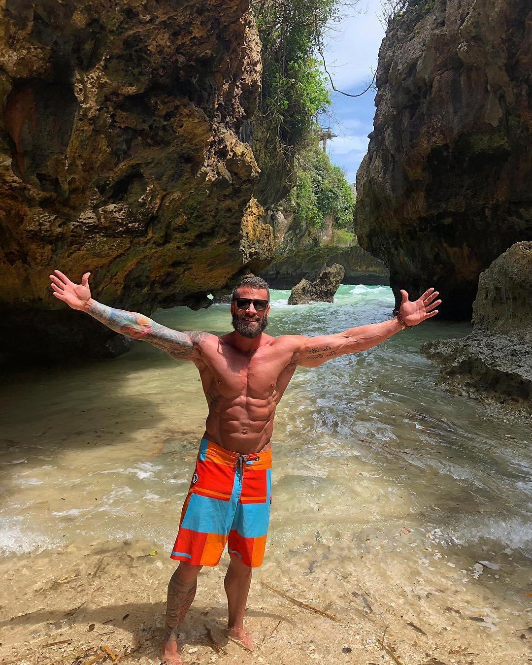 sexy-fit-muscular-bearded-daddy-parker-egerton-barechest-beach-sunglasses-hunk