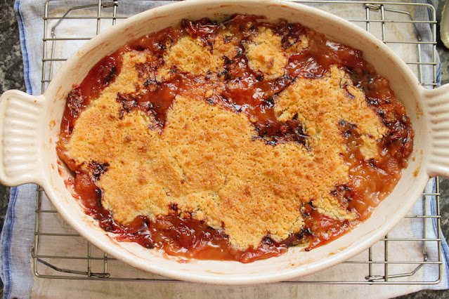 Food Lust People Love: Nectarines lavishly drenched in golden rum are topped with a mix of flour, sugar and butter to make this boozy nectarine crumble.