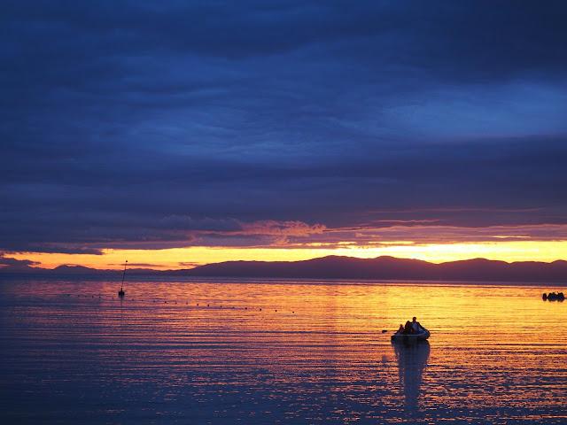 Владивосток - закат на берегу моря (Спортивная набережная)