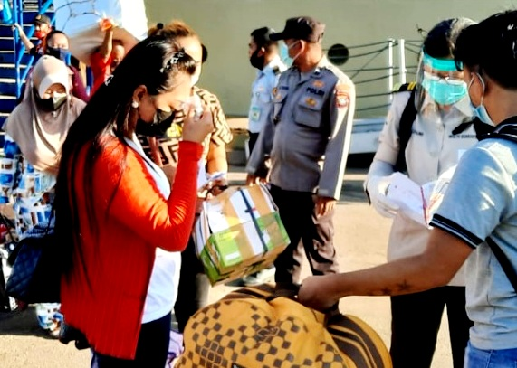 Arus Penumpang KM.Kelud di Batam, Turun 202 Orang dan Naik 324 Tujuan Medan
