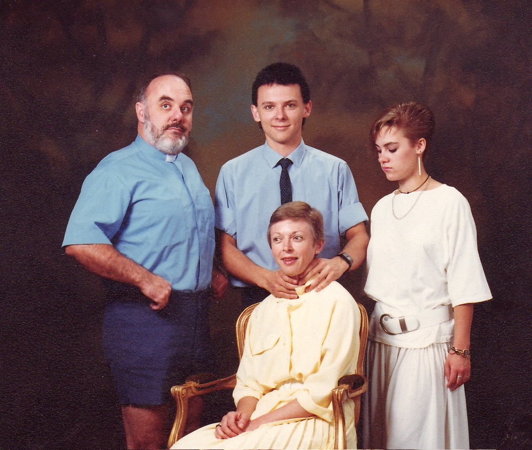 Funny Picture Humor Funny Awkward Family Pics