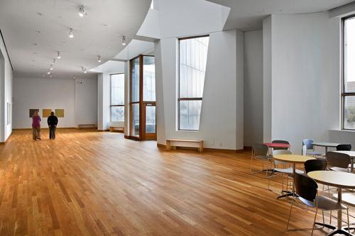 Vista del interior de una de las salas del Weisman Art Museum