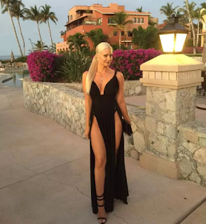 la barbie humana, maryse oullet, en minifalda, en ropa interior, top model diva