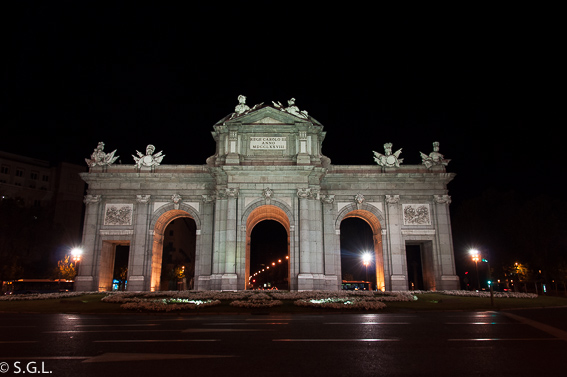 La puerta de Alcala. Ruta lowcost por Madrid