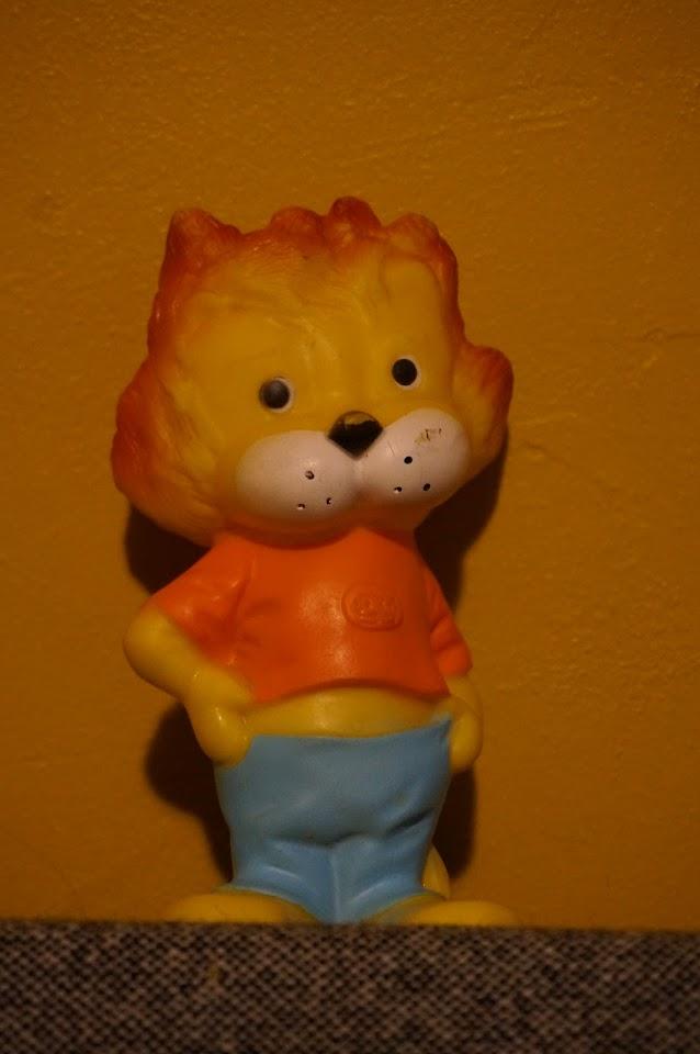 un pouet de Titus le petit lion 1967  ORTF Squeeze toy
