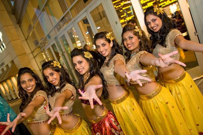 Ladies Ke Saath Kya Kya Hota Hai