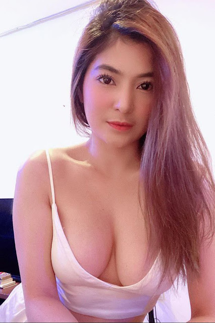 Hot and sexy big boobs photos of beautiful busty asian hottie chick Pinay booty freelance model Skat Ty photo highlights on Pinays Finest sexy nude photo collection site.