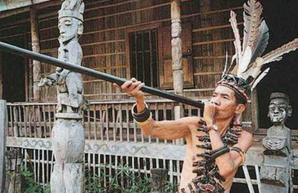 Kehebatan Suku Dayak