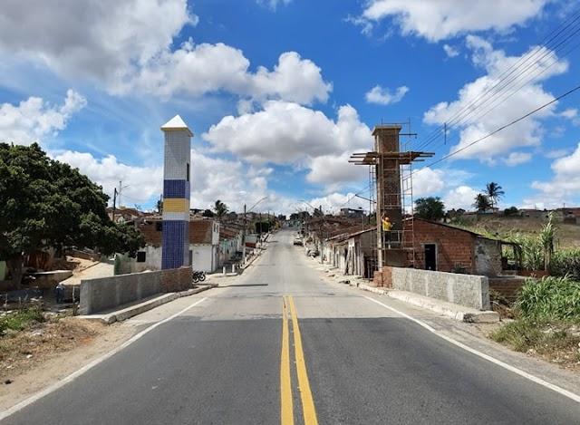 Prefeitura segue com construção do portal nas entradas de Arara