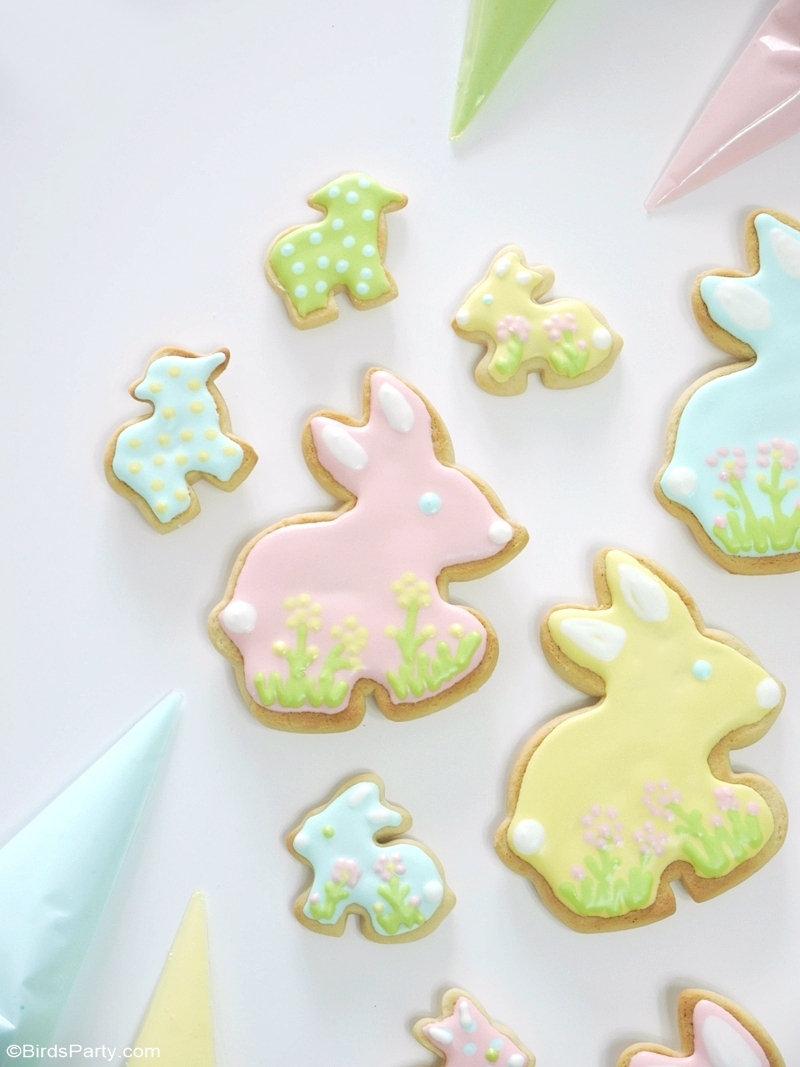 Biscuits Décorés de Pâques - recette facile de biscuits à la vanille et glaçage royale pour servir à la fête de Pâques ou au printemps ou à offrir! by BirdsParty.com @birdsparty #biscuits #paques #cookies #recette