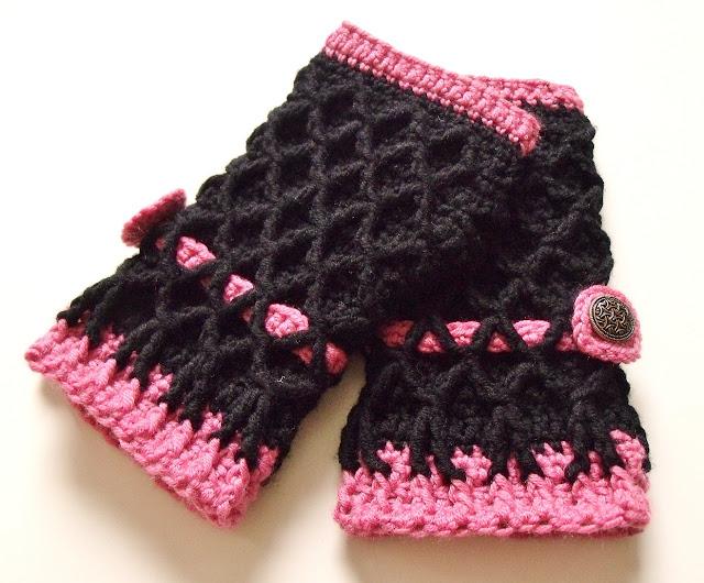 how to crochet, crochet patterns, fingerless mittens, crochet for women,