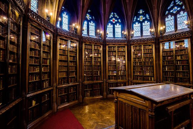 βιβλιοθήκη 3