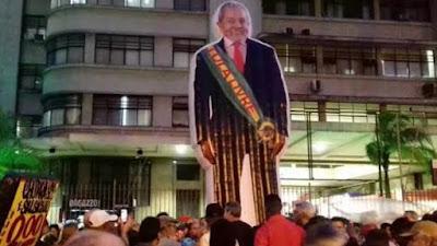 Boneco Lula gigante, Rio, Foto: Aurélio Rocha
