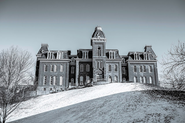 Back of WVU's Woodburn Hall