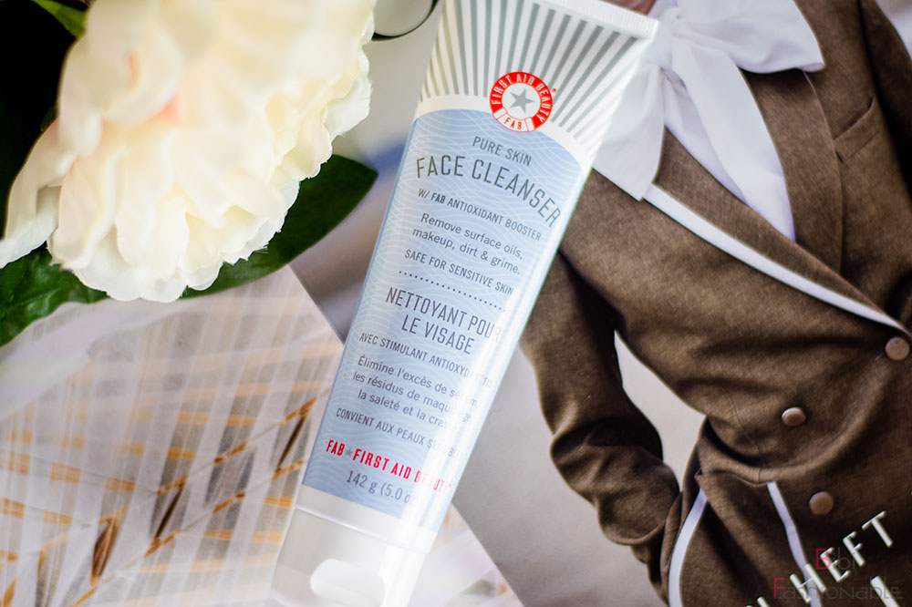 FAB First Aid Beauty Pure Skin Face Cleanser