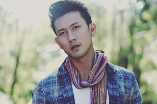 Biografi Denny Sumargo