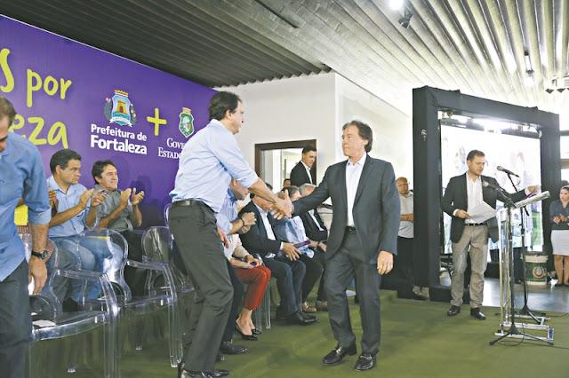 EX-OPOSICIONISTAS:  Eunício participa de evento no Palácio da Abolição