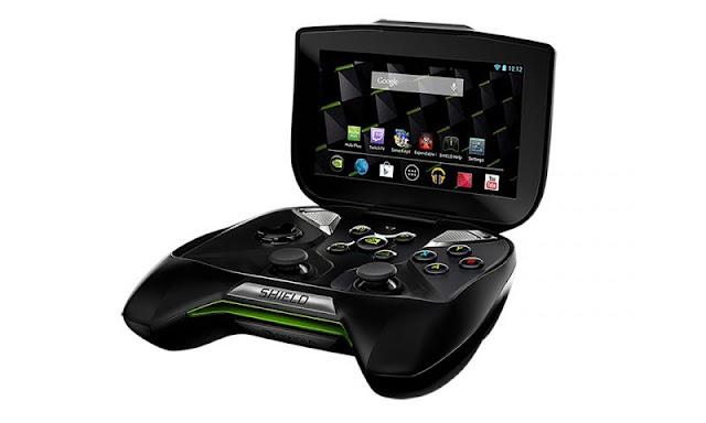Robbie Bach, antigo executivo do Xbox, confessa que a Microsoft estava trabalhando em várias possibilidades de criar um console portátil.