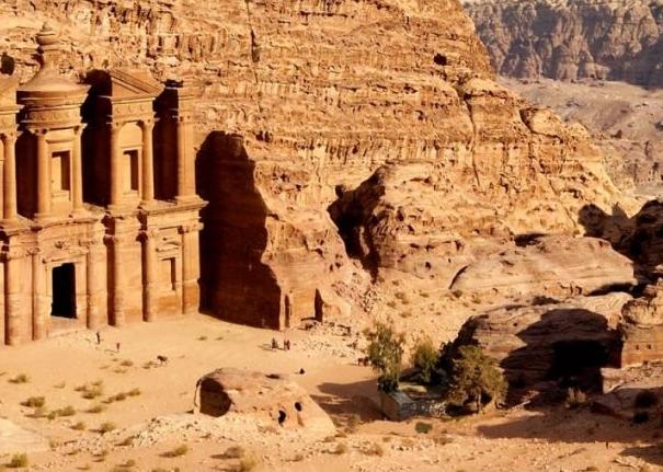Μια online ξενάγηση στην αρχαία Πόλη της Πέτρας στην Ιορδανία