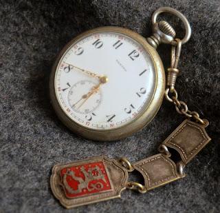 vanha metallinen zenith taskukello