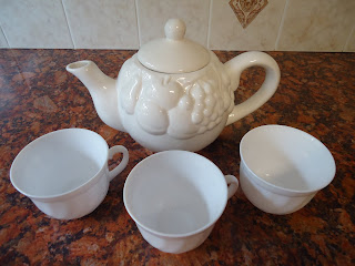 The Teapot and Cups For An English Afternoon Tea