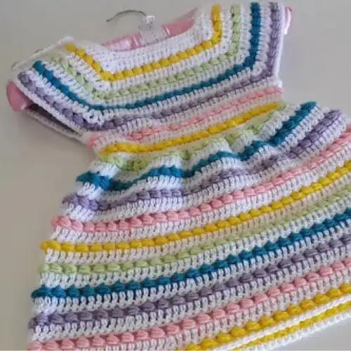 Vestido Arcoiris de Bebé a Crochet