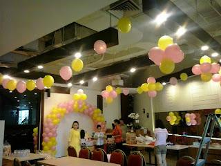 dekorasi balon satuan dan gate untuk acara ulang tahun