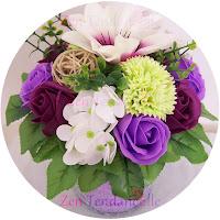 Un bouquet de fleurs en savon coloré et parfumé