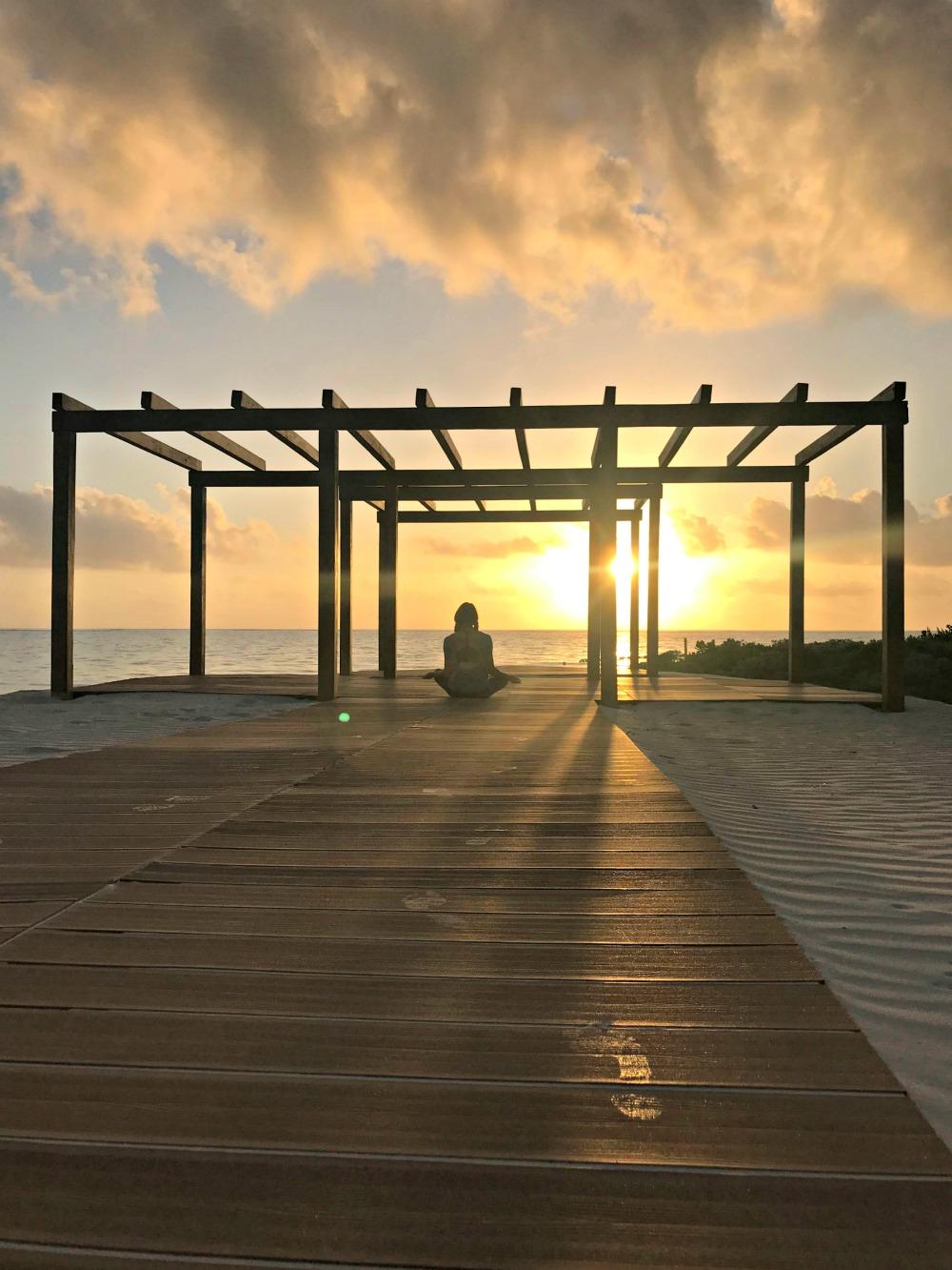 yoga in paradise, woman wearing yogaclub