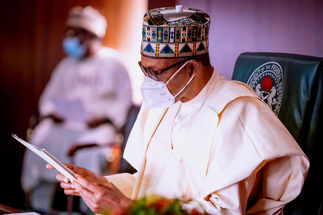 « AFRICA ROAD BUILDERS » | Le trophée à Muhammadu Buhari