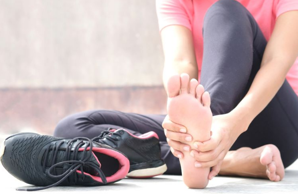 Cara Mudah Agar Sepatu Jauh dari Bau Kaki