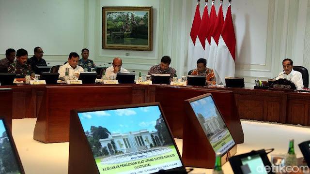 Jokowi ke Prabowo: Siapkan Alutsista yang Cocok dengan Perang Masa Depan