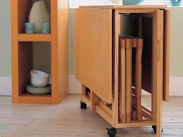 Menghemat ruang, melipat furnitur untuk apartemen kecil
