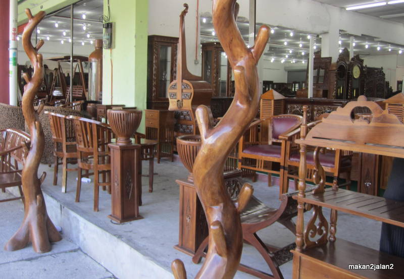 Indonesia Nilai 3 Menawarkan Pelbagai Jenis Perabot