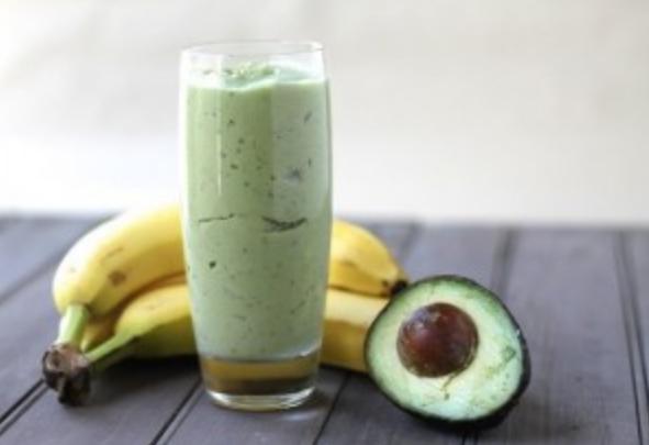 How to make an avocado-banana cocktail