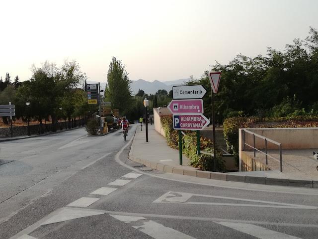 Alhambra y Generalife. Parkingi w Granadzie