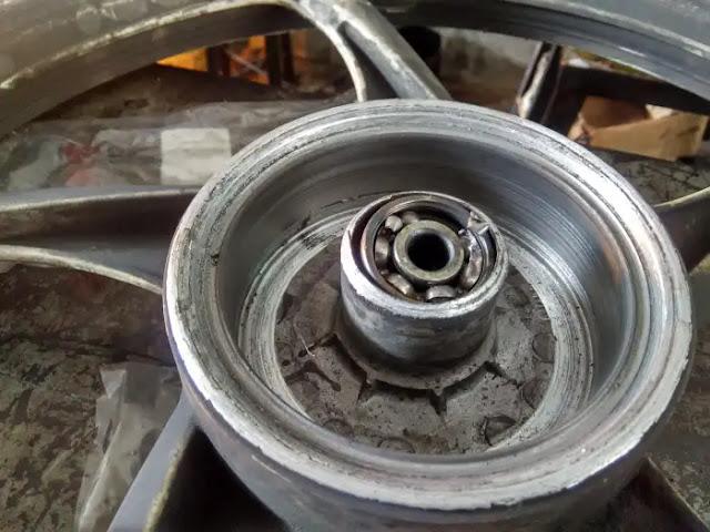 Laher atau Bearing Motor - Mengenal Daftar Sparepart Motor Cepat Laku atau Laris
