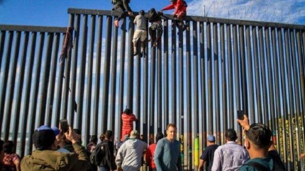El Salvador y EE.UU. firman acuerdo migratorio