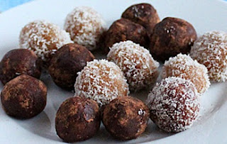 Coconut Almond Balls Recipe