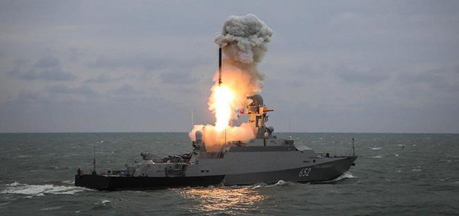 Chuyên gia hé lộ 'điểm yếu chí tử' khiến Nga đối mặt lựa chọn đau đớn nếu Mỹ-NATO tấn công
