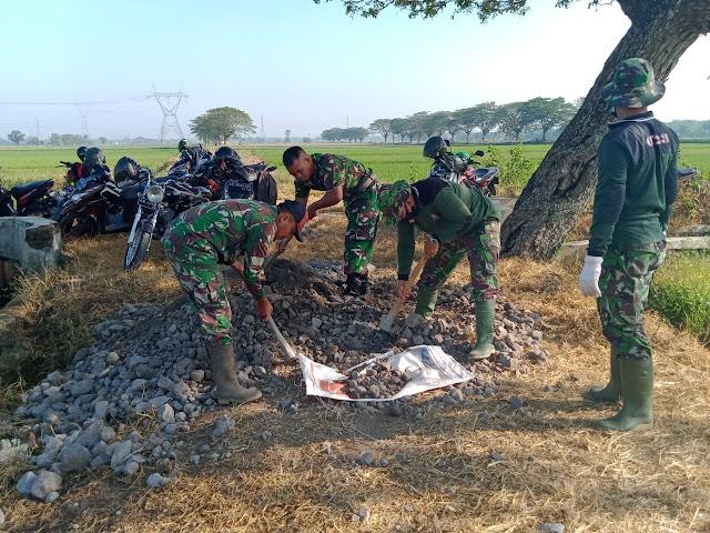 Karya Bakti TNI Sasar Jalan Pertanian di Juwiring